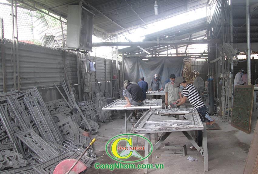 cua-cong-hop-kim-nhom-duc (8)